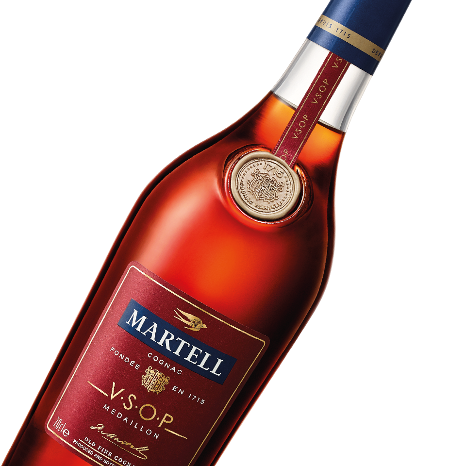 martell cognac vsop medallion bottle