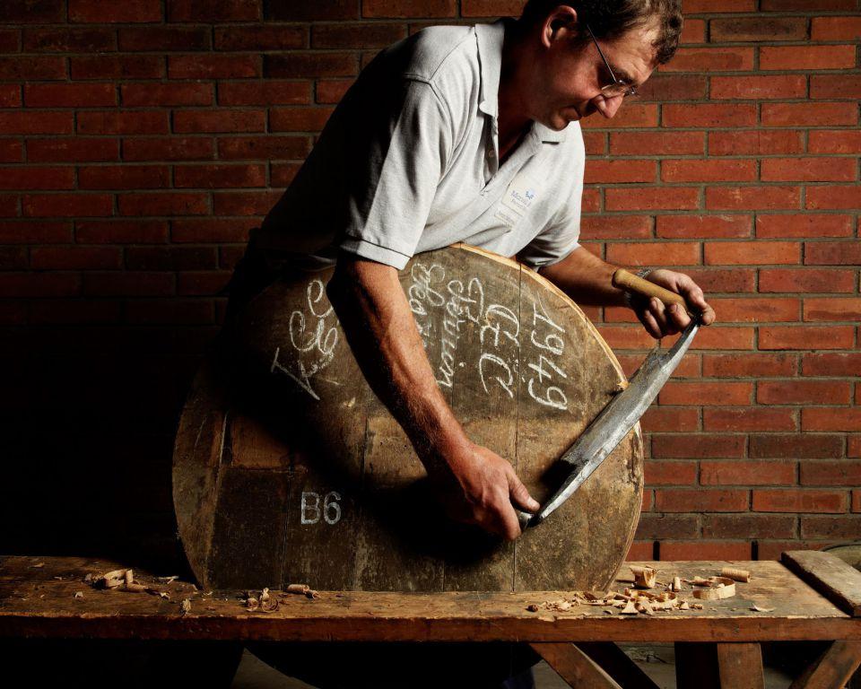 精湛技艺 - 专业技术、卓越品质、精良工艺。
