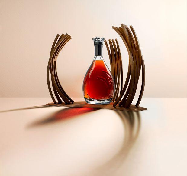 MARTELL PREMIER VOYAGE 300 années consacrées à l'élaboration de cognacs.