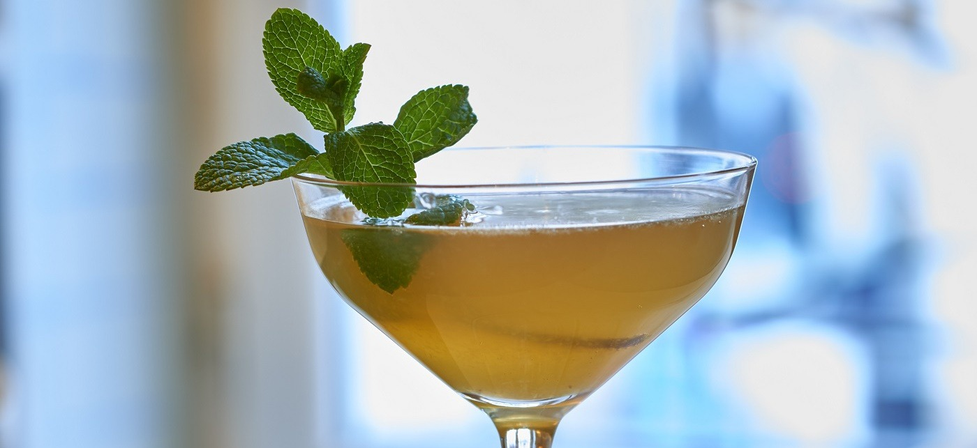 PARIS CUBAIN  3cl Martell Extraits 1cl rum 1cl simple syrup 6 mint leaves 2cl lemon juice Champagne  Lightly muddle mint in base of shaker. Add all ingredients except champagne, shake with ice and fine strain into chilled glass. Top with champagne.