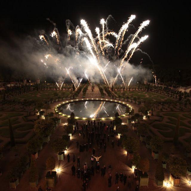 Fuegos artificiales en el Palacio de Versalles por el 300.º aniversario de Martell