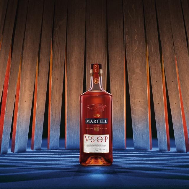 Martell VSOP   Aged in Red Barrels UN COGNAC PERFECTAMENTE EQUILIBRADO