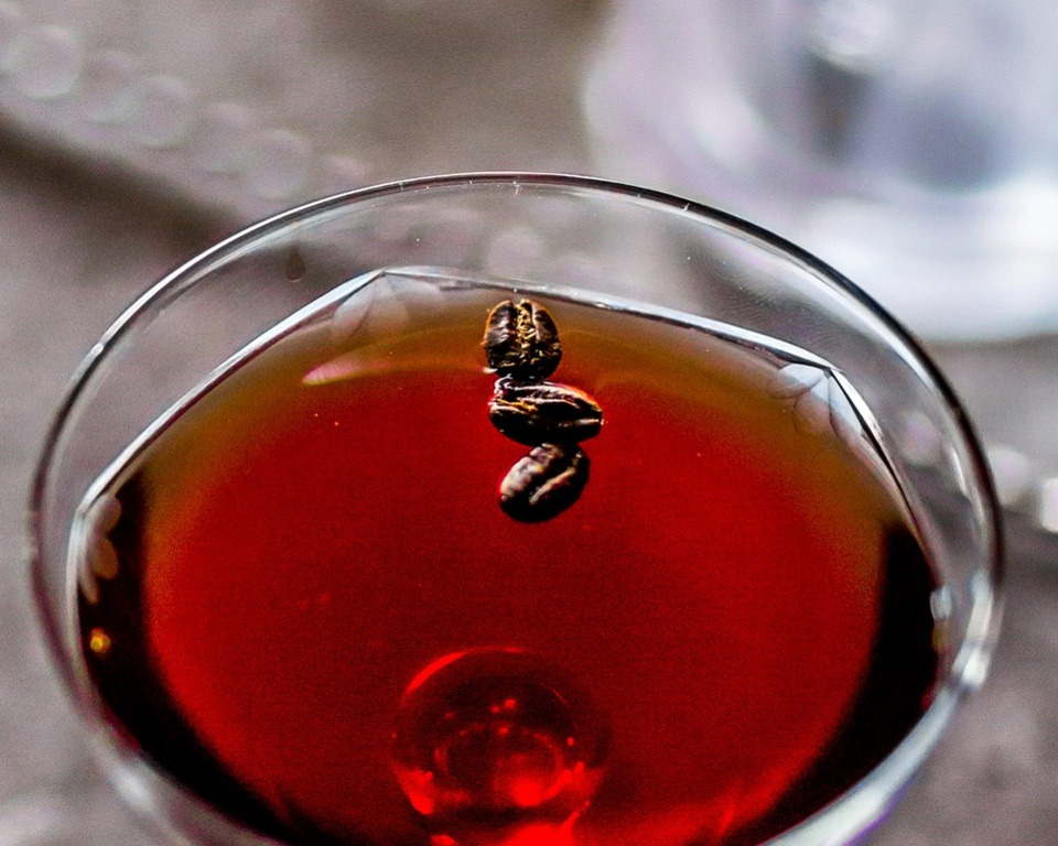 martell cognac cocktail live with caratere