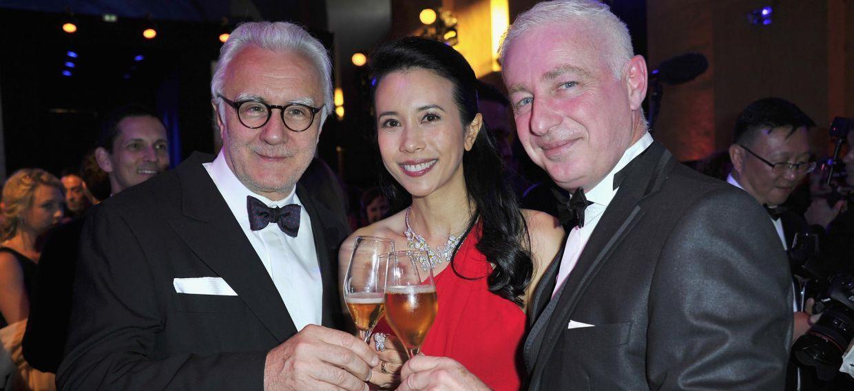 Ален Дюкасс, Карен Мок и Тьерри Эрнандес на юбилейном вечере Martell в Версальском дворце