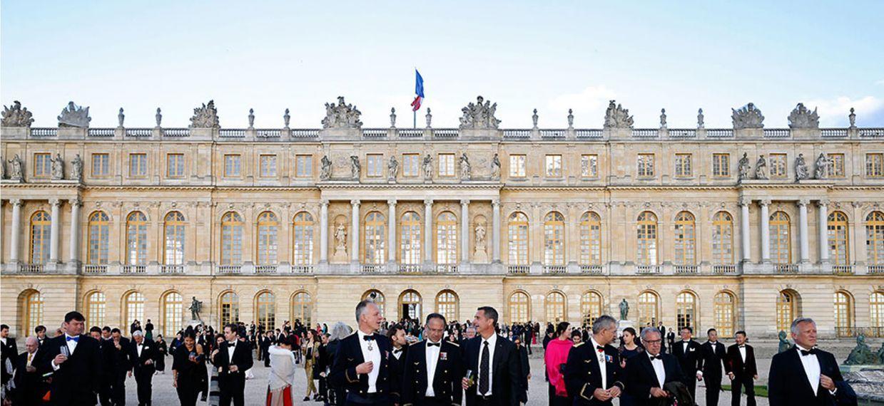 Почетные гости майских торжеств в Версале, посвященных 300-летию Дома Martell