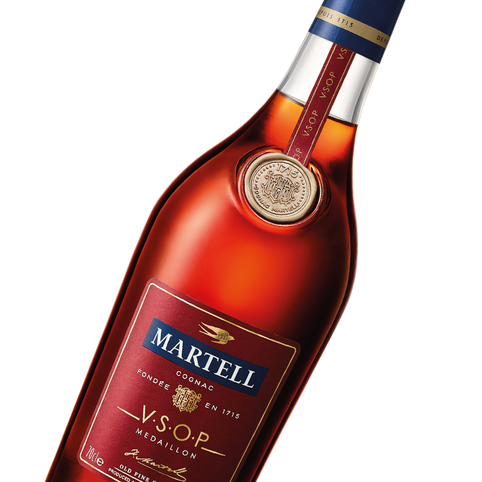 martell cognac vsop medallion bottle