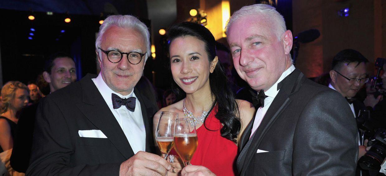 艾倫•杜卡斯(Alain Ducasse)、莫文蔚與泰利•赫南迪斯(Thierry Hernandez)於凡爾賽宮參與馬爹利300週年慶典