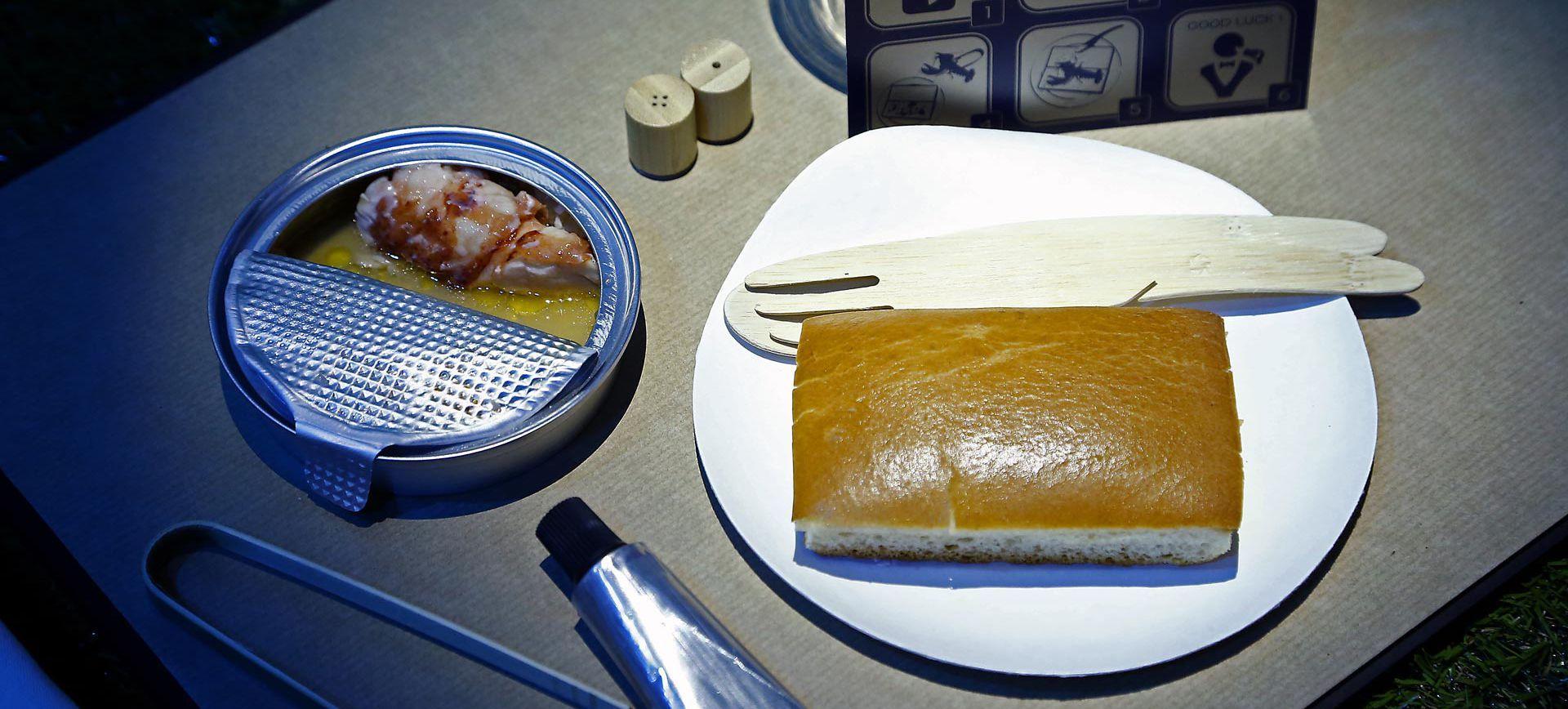 1715年於澤西島野餐 - 特製龍蝦卷搭配馬爹利三百週年VSOP干邑調酒「獨立精神」  相片來源:蓋帝圖像(Getty Images)為馬爹利干邑拍攝