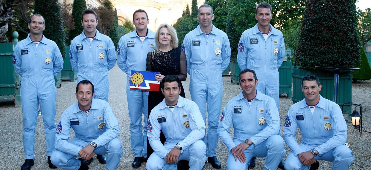 La patrouille de France pose avec Mme Catherine Pégard, Director of the Domaine of Versailles