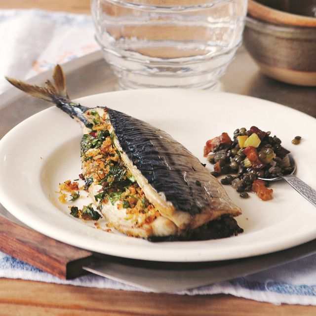 Roast stuffed Mackerel with lentils and bacon