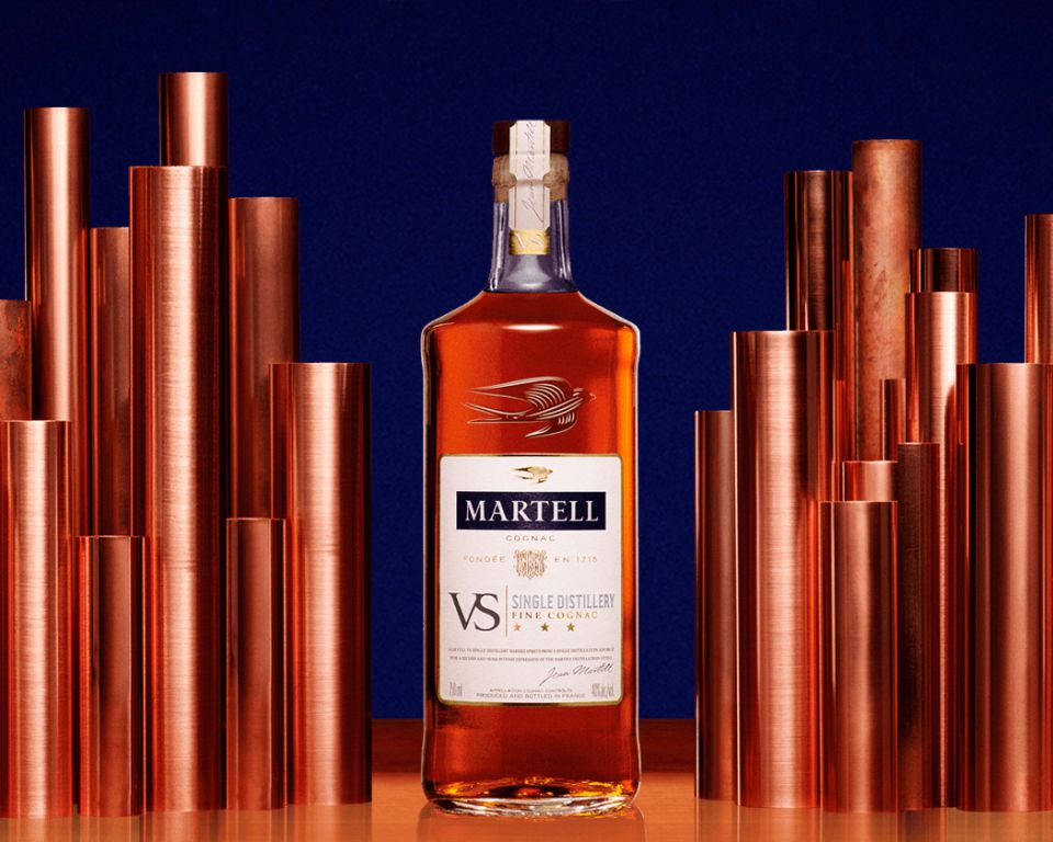 VS Single Distillery - MARTELL VS SINGLE DISTILLERY MARRIES SPIRITS FROM A SINGLE SOURCE IN THE COGNAC REGION IN FRANCE FOR A RICHER AND MORE INTENSE EXPRESSION