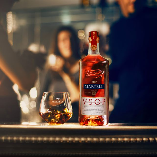 MARTELL VSOP MATURED IN RED BARRELS THE COGNAC PERFECT BALANCE