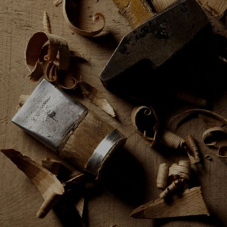 SAVOIR-FAIRE An encounter with the artisans who contribute to the creation of Martell cognacs.