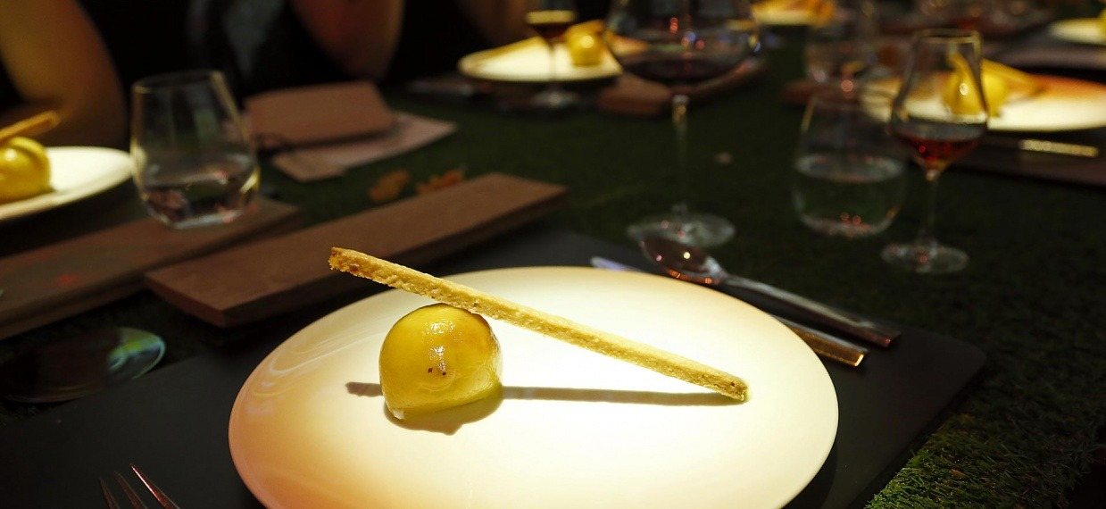 Martell's Library by Paul Pairet at Versailles for Martell300 anniversary - Lemon & Lemon Tart with Martell Premier Voyage