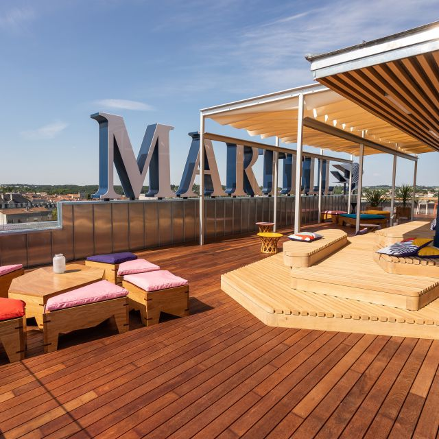 EXPERIENCE THE MAKING OF MARTELL, FROM GRAPE TO GLASS Indigo by Martell
