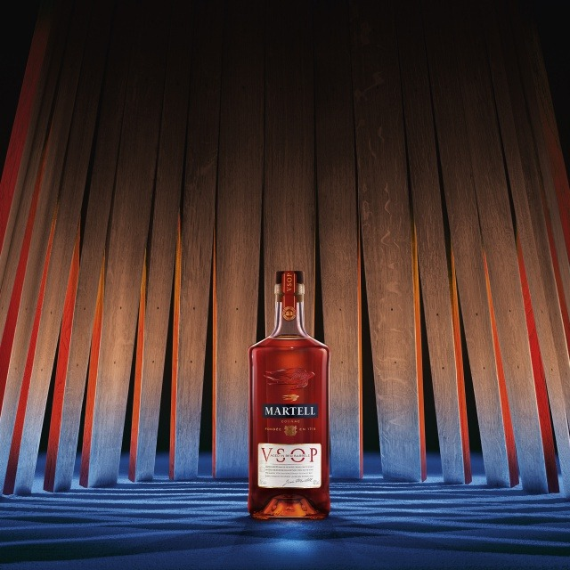 Martell VSOP Aged in Red Barrels THE COGNAC OF PERFECT BALANCE