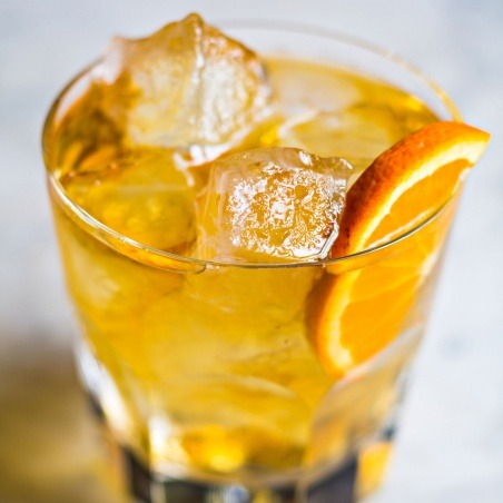 plum spritz cocktail